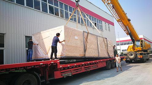 激光切割机装箱发往哈萨克斯坦